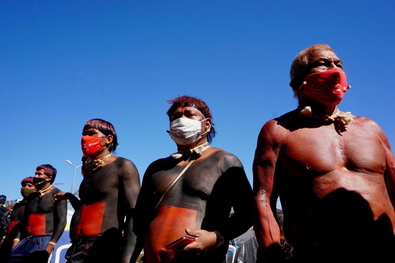 Indígenas participam de manifestação em Brasília (DF) durante o Acampamento Levante pela Terra, em junho de 2021. Foto: Isabella-Guljor