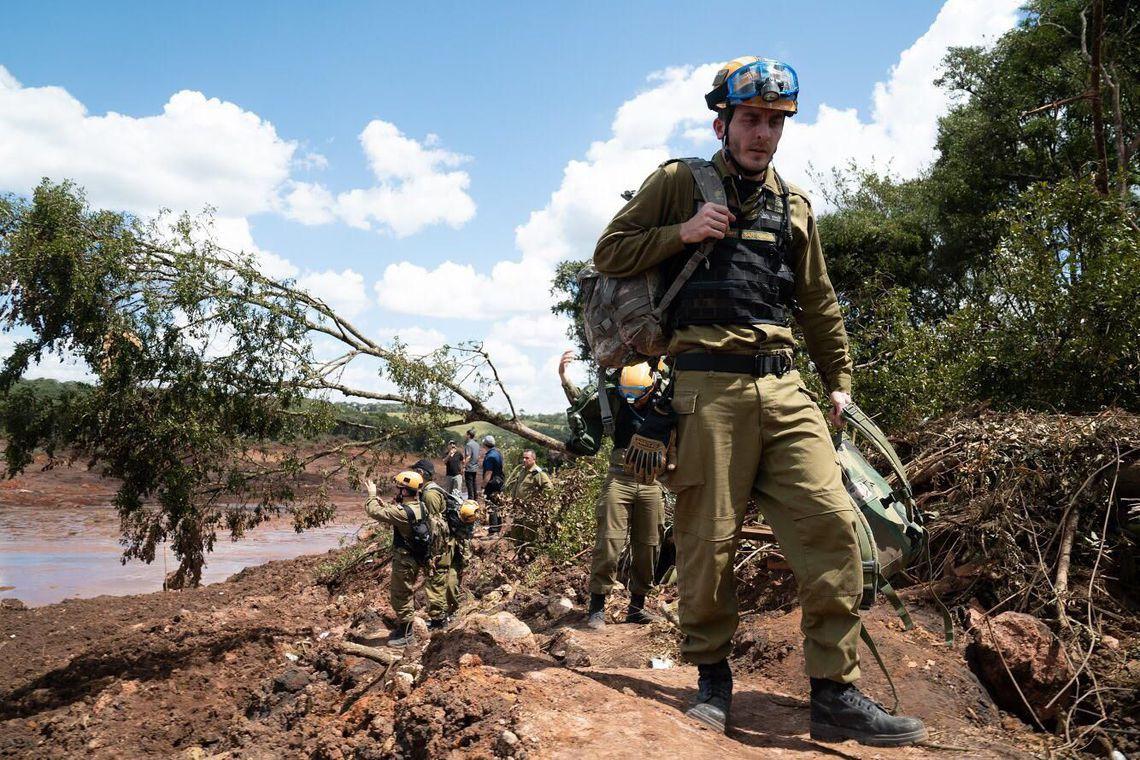 Equipe internacional apoia os trabalhos de busca e resgate de vítimas de Brumadinho (MG). Foto: Agencia Brasil