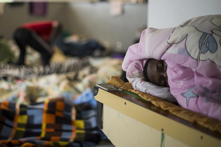 Migrantes ganeses em Caxias do Sul vivem com poucas condições abrigados em igreja   Foto: Bernardo Jardim Ribeiro/Sul21
