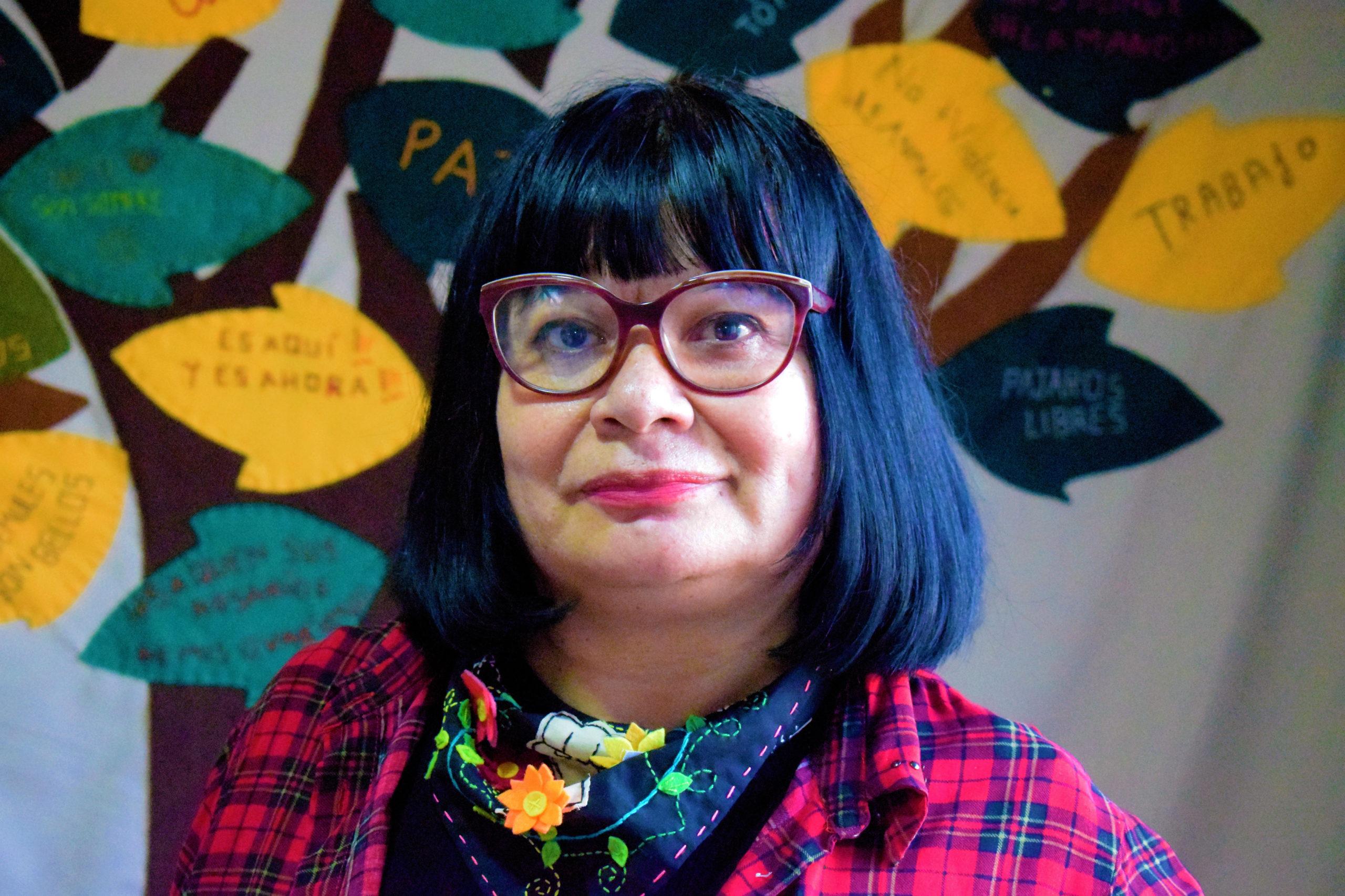 A historiadora e professora chilena Cynthia Imaña é diretora do coletivo Memorarte: Arpilleras Urbana (foto: acervo pessoal/divulgação)