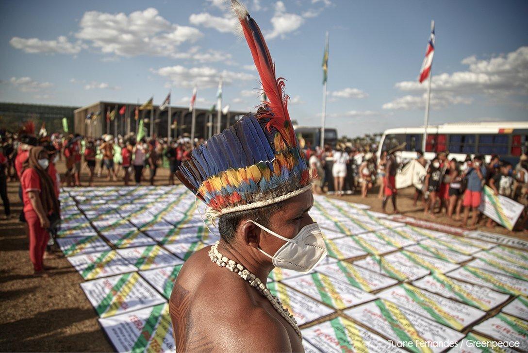 Indígenas participam de acampamento em Brasília (DF) para acompanhar o julgamento do marco temporal no STF. Foto: Tuane Fernandes/ Greenpeace