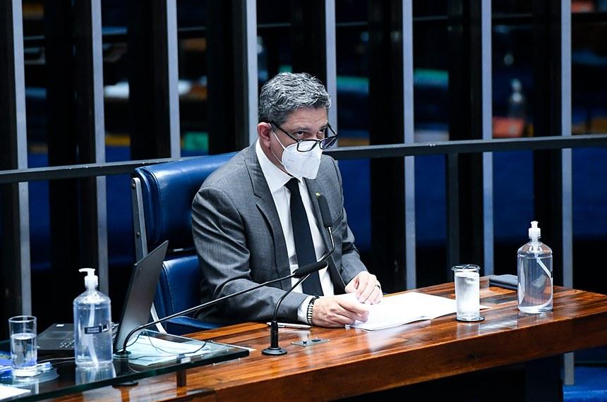 O relator, senador Rogério Carvalho, rejeitou 40 emendas apresentadas no Senado e acatou parcialmente 2. Ele sugeriu que as alterações propostas sejam analisadas depois da edição da nova lei  Fonte: Agência Senado